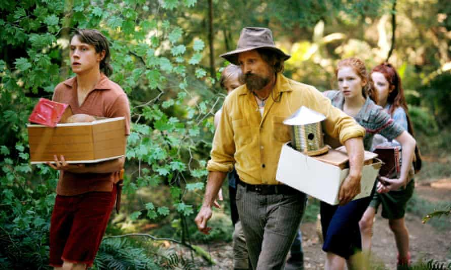 Viggo Mortensen with George MacKay, Nicholas Hamilton, Annalise Basso and Samantha Isler in Captain Fantastic.