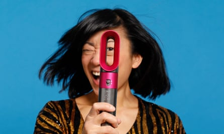 The Dyson Airwrap features a jet-fl0w effect to achieve singe-free, perfect locks