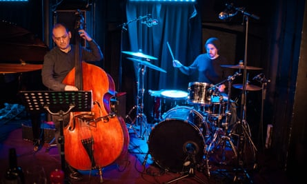 New Congregation's Yuri Goloubev and Laurie Lowe at Pizza Express Jazz Club, London.