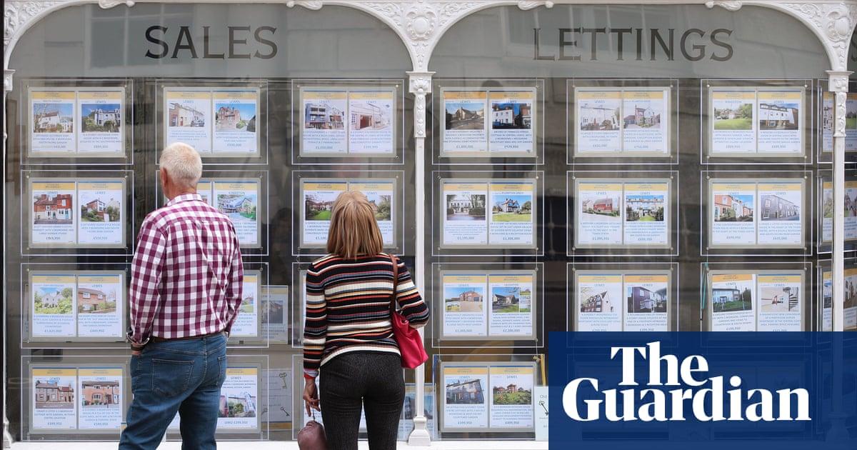 UK house prices now 30% higher than pre-2008 crisis peak