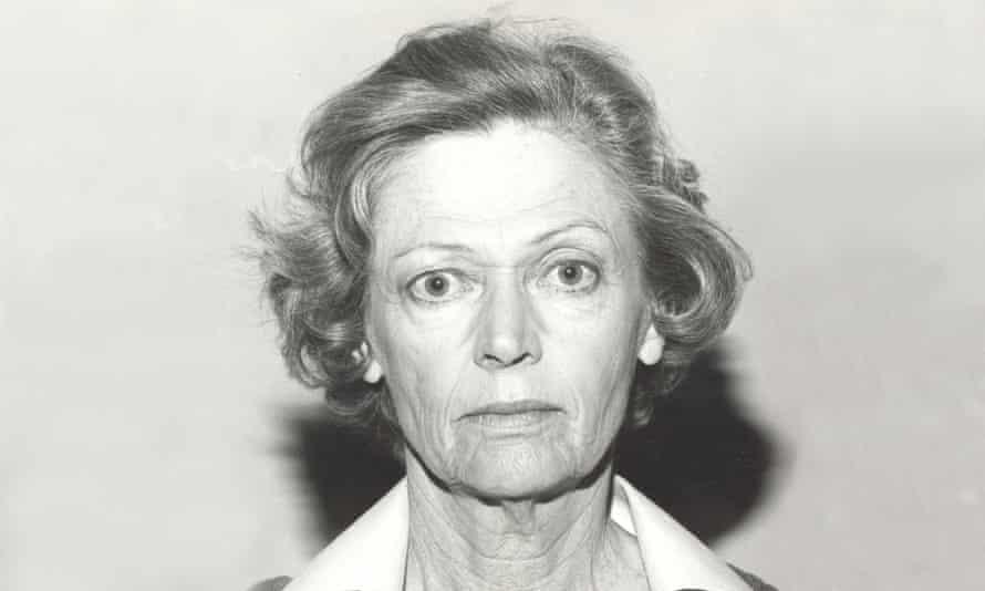 Mary Ward as Mum in Prisoner.