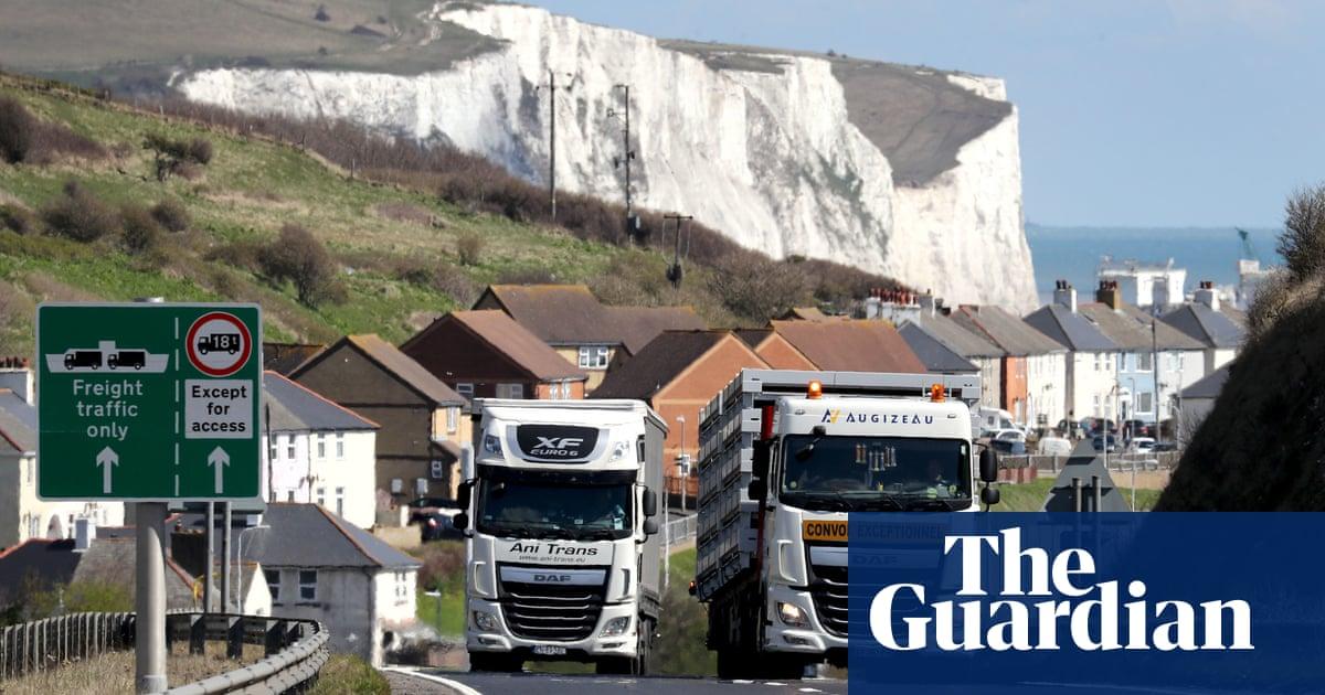 Post-Brexit roadblocks in place in Kent despite travel U-turn on France