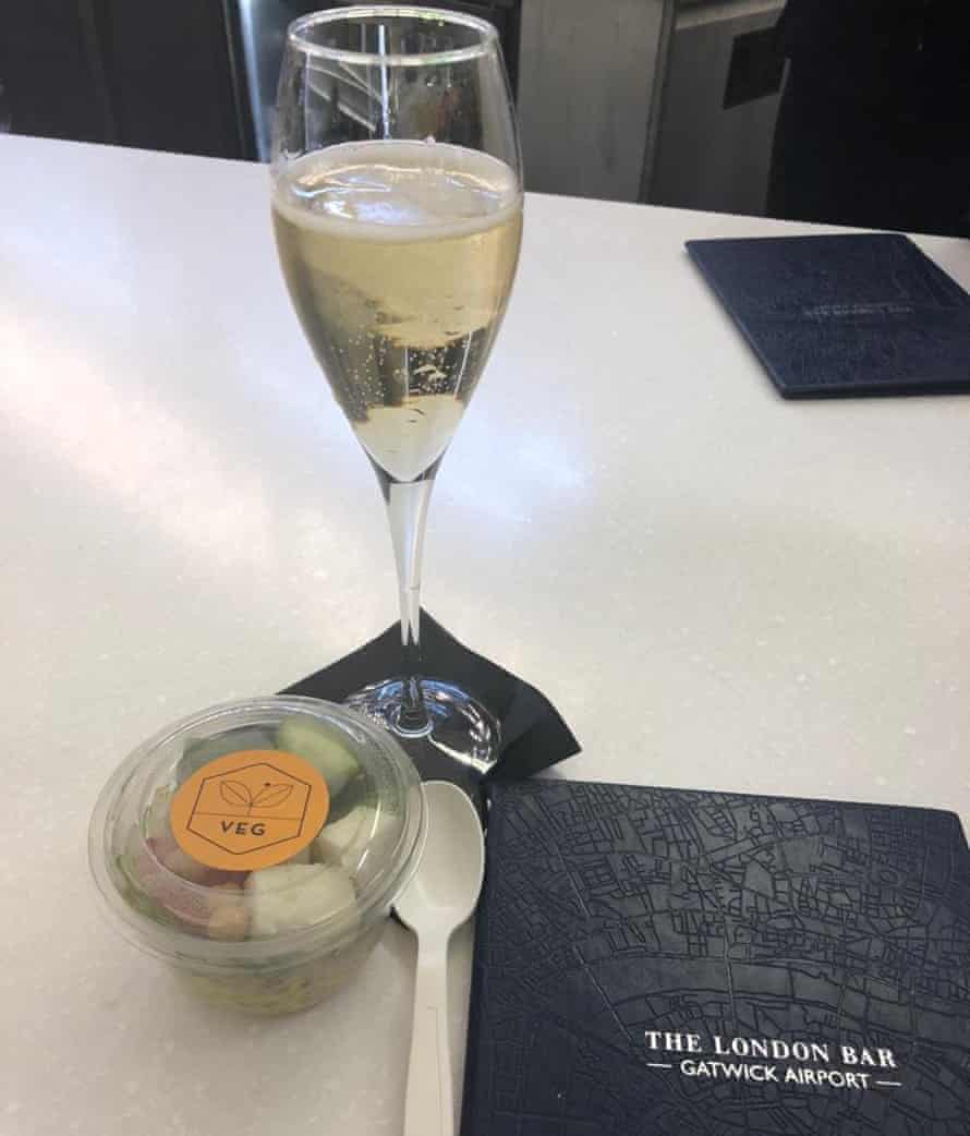 Glass of Veuve and a veg pot from Jamie's Deli, also at Gatwick. Look, it had been a long week.