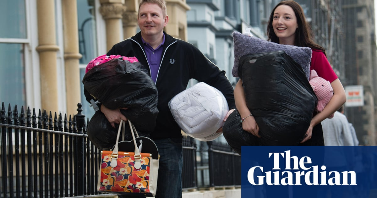 'Terrible emptiness': parents struggle with children leaving home