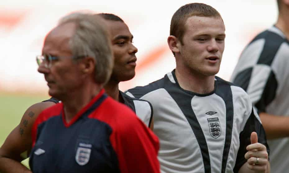 Sven-Göran Eriksson with Wayne Rooney and Ashley Cole at Euro 2004.