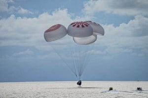 Astronauts splash down near Kennedy Space Center in Florida