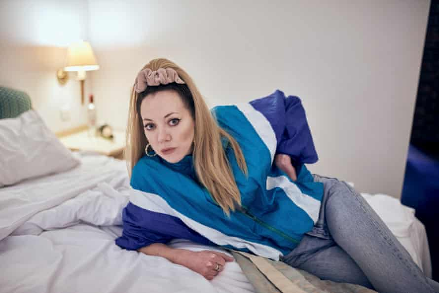 Morgan as Mandy in her new sitcom.