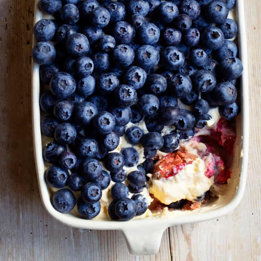 Tiramisu of berries.