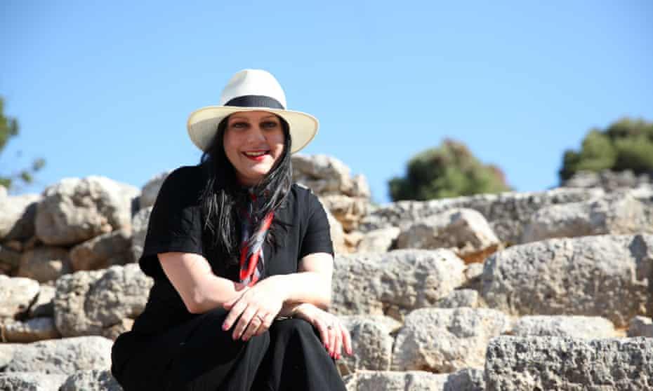 Janina Ramirez in Knossos, Crete