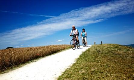 cycling path on ile de re
