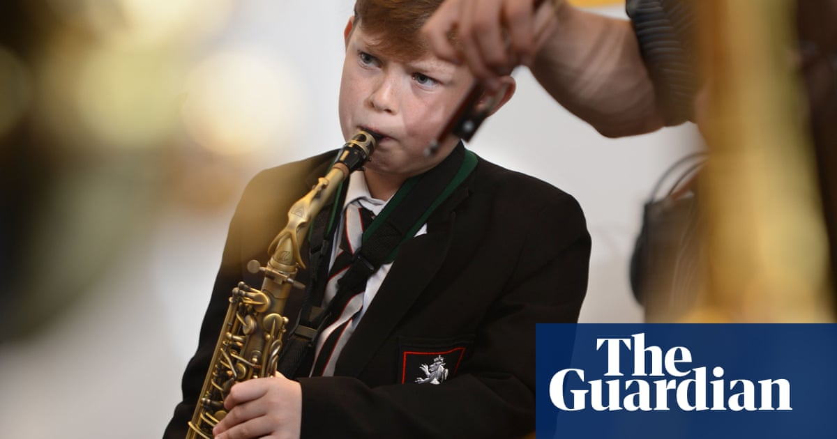 'Creativity crisis' looms for English schools due to arts cuts, says Labour