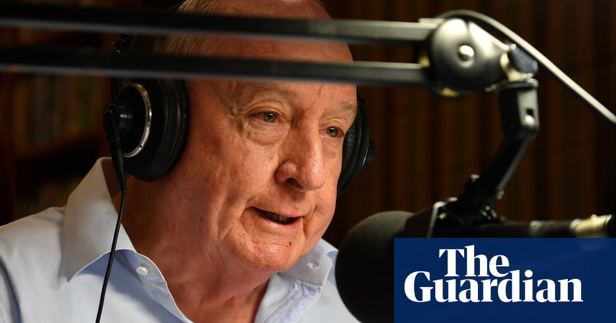 The final farewell: Alan Jones signs off with climate change apology amid plaudits from celebrities