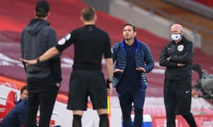 Chelsea's head coach, Frank Lampard, says his piece to Liverpool's manager Jürgen Klopp.