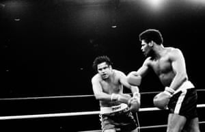 Leon Spinks lands a right hook on Alfredo Evangelista during the fight in January 1980 in Atlantic City. Spinks won by a KO in the fifth round.