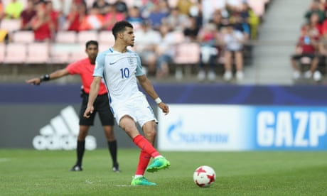 Solanke helps get England off to a flyer against Argentina in U-20 World Cup