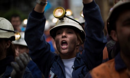 Spanish coalminers will be offered early retirement.