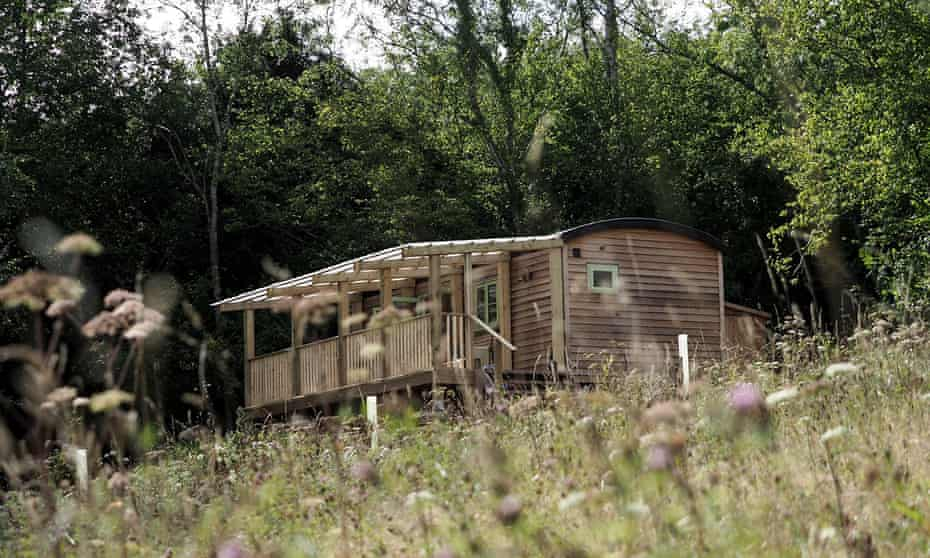 Resilient Woodlands Retreat consists of two luxury Glamping Cabins based in the beautiful Forest of Dean.
