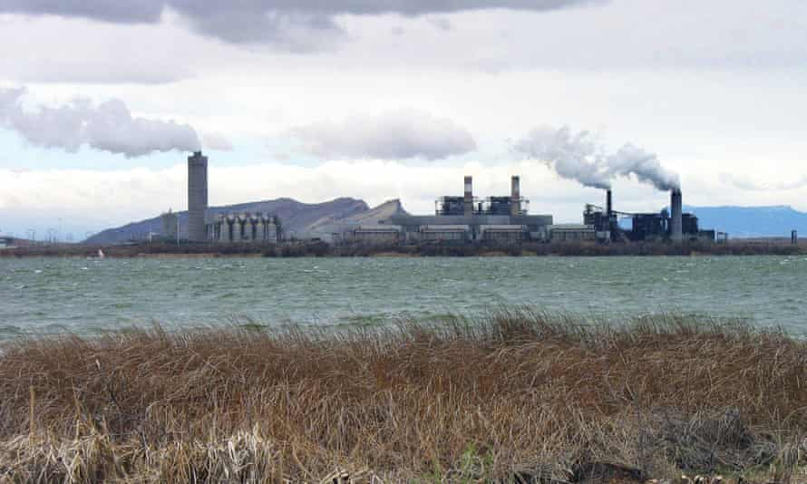 The Four Corners Power Plant in Waterflow, New Mexico, one of the country's largest emitters of carbon dioxide, is one of 13 coal plants to have announced closure plans.