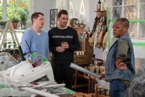 Dan Levy as David, wearing the 'Nonchalance' jumper in season 5.