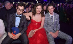 Lorde at the 2018 Grammys with Melodrama co-producer Jack Antonoff, left, and her brother Angelo.