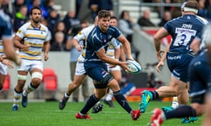 Jono Ross of Sale Sharks passes during his side's match against Worcester.