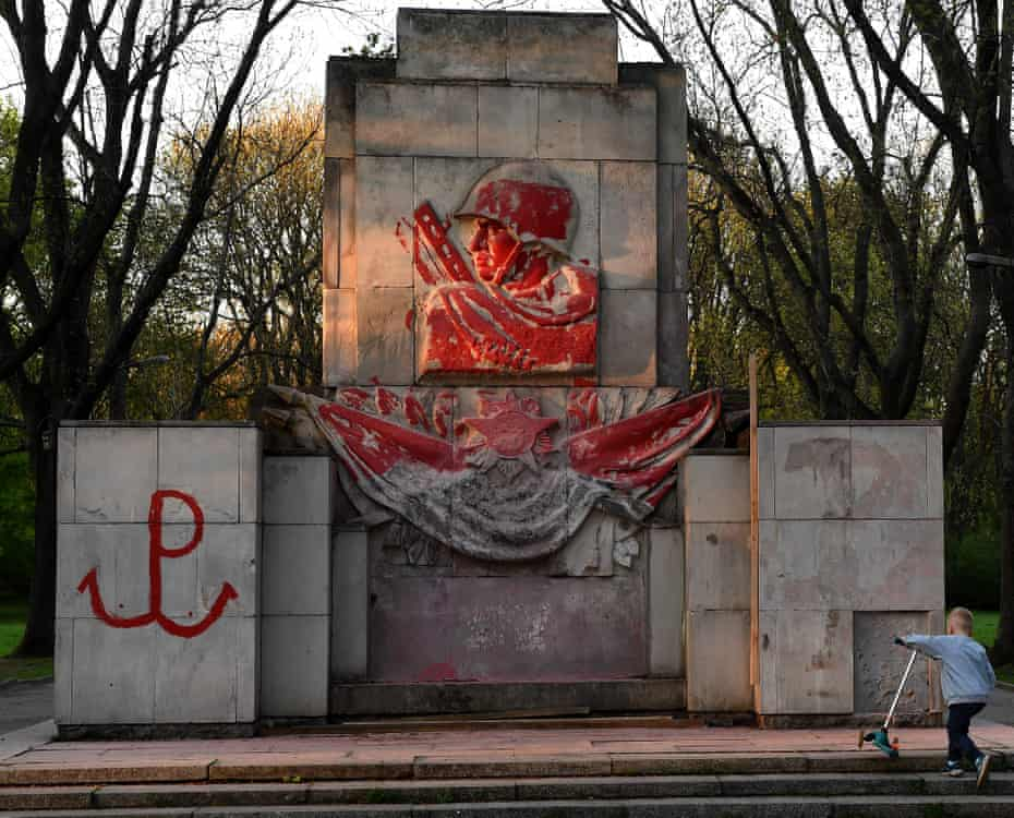 A monument from 1945 dedicated to Russian soldiers partially covered with red paint, Warsaw, April 2018.