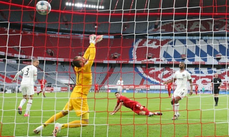 Bundesliga roundup: Bayern beat Frankfurt while Dortmund keep pace
