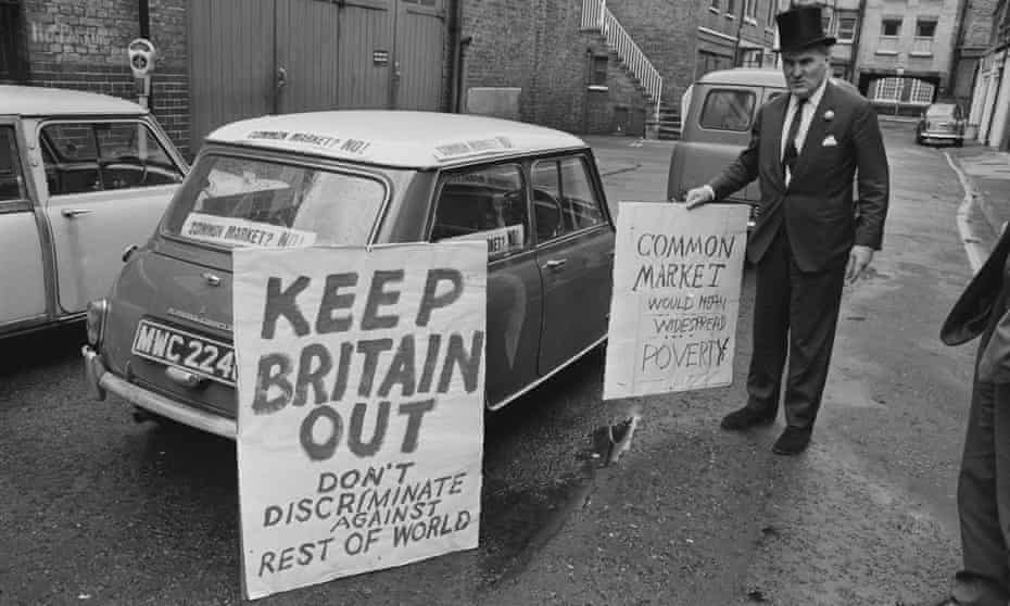 British businessman and politician Oliver Smedley leaving to demonstrate in Rome as part of his campaign against British membership of the EEC, in 1967.