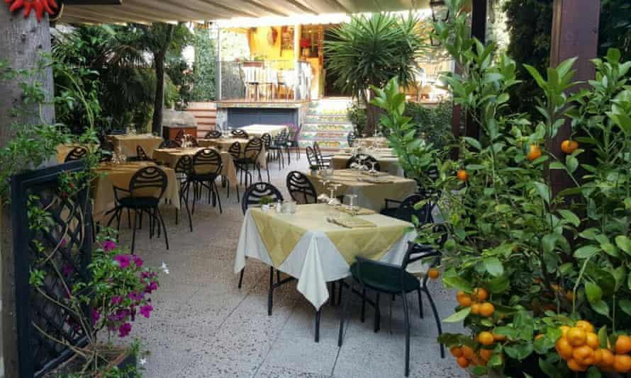 Rosso Peperoncino, Taormina