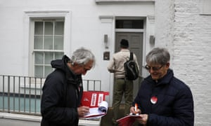 Labour activists knock on doors in Notting Hill.