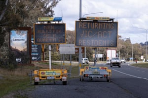 Signs at the Victorian-NSW border