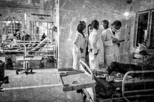 Medical students resume ward round duties after a spontaneous decrease in Covid-19 cases in Nigeria, December 2020