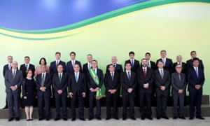 Jair Bolsonaro with members of his cabinet posing for an official photograph at the Planalto Palace