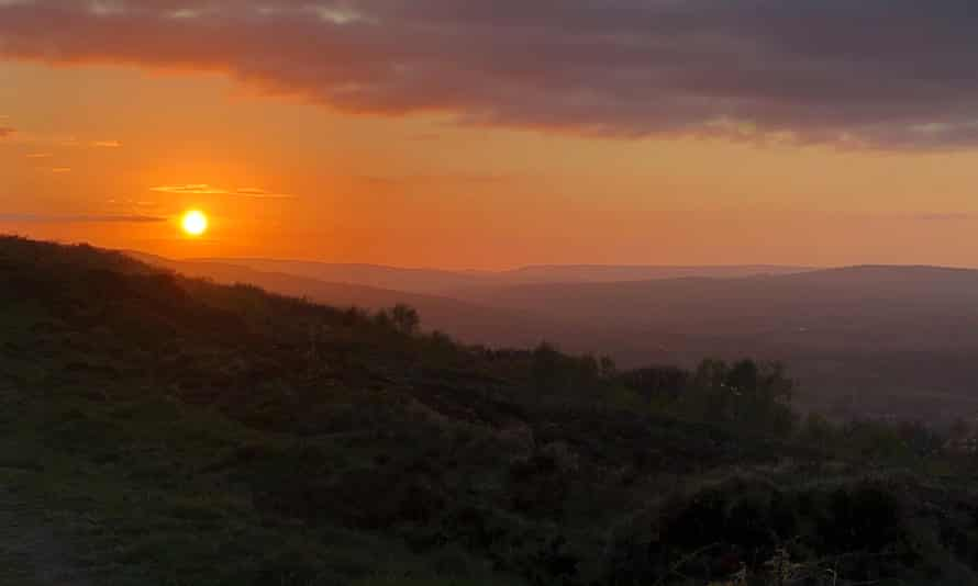 A quiet sunset over Wharfedale from the Chevin