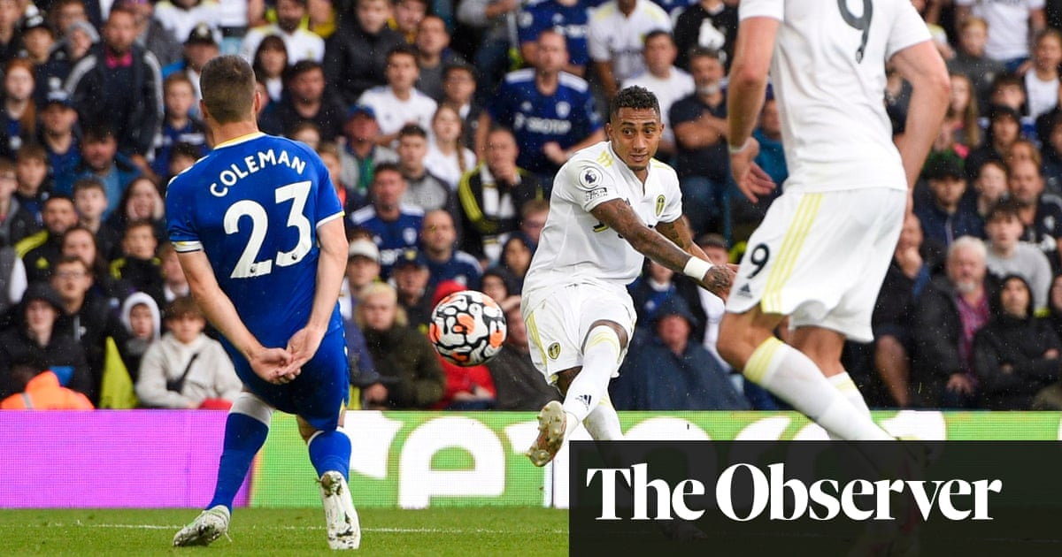 Raphinha rescues point for Leeds in thrilling draw with Everton