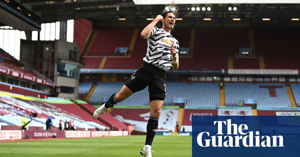 Edinson Cavani signs one-year contract extension at Manchester United