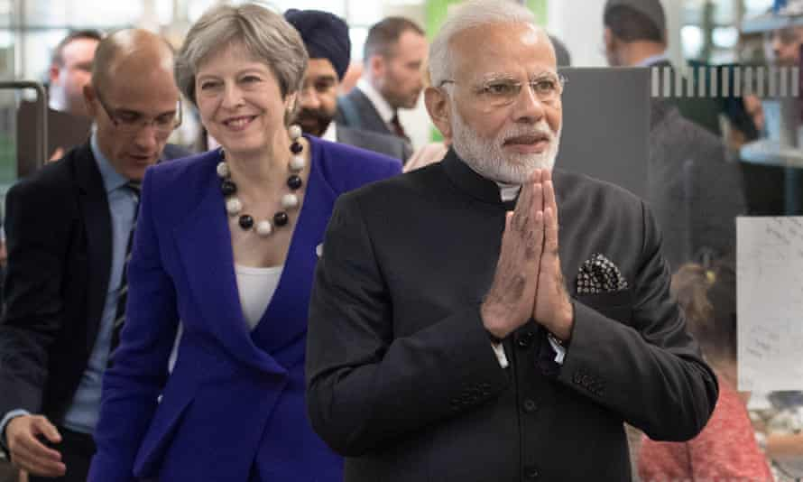 Theresa May and Narendra Modi visit the Francis Crick Institute in London.
