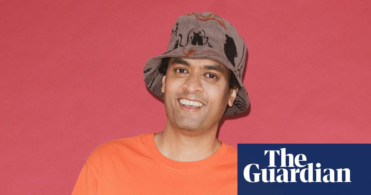 How to wear: a bucket hat | Priya Elan