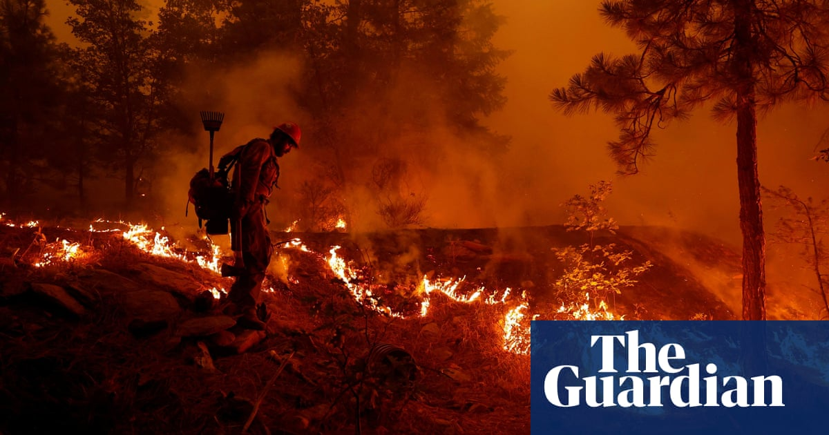 Dixie fire: 10,000 buildings threatened as largest US wildfire tears through northern California