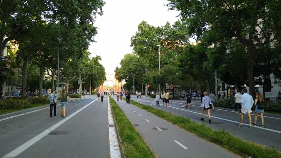 Car-free day on Passeig Sant Joan