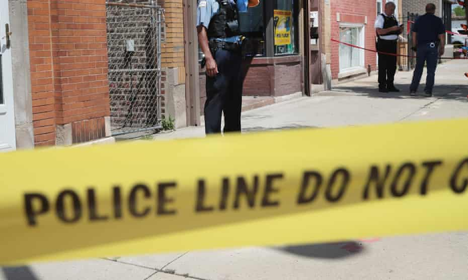 Gun Violence Continues To Plague ChicagoCHICAGO, IL - JUNE 15: Police investigate a crime scene after two people were shot on the near Westside on June 15, 2016 in Chicago, Illinois. One witness said two area businessmen were arguing over the price of a service when one of the men pulled a gun and shot the other and his son after being assaulted with a baton. One-thousand-six-hundred-eighty-nine people have been shot in Chicago since January 1. (Photo by Scott Olson/Getty Images)