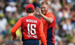 Eoin Morgan is the first to congratulate Ben Stokes after the all-rounder had dismissed South Africa's Quinton de Kock.