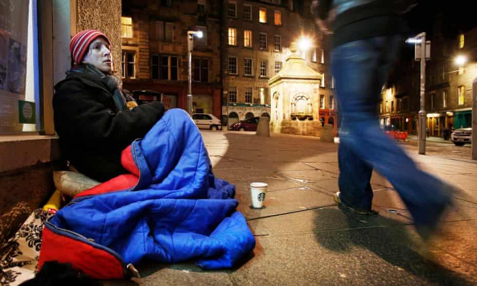 Miranda Tizard begs in Edinburgh, Scotland