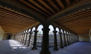 Uruguay 170: El Dr Atl vivió en la azotea del ex Convento de la Merced ubicado en República de Uruguay 170 durante los años 20.