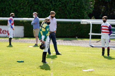 Jockeys and connections hold a minute's silence in memory of jockey Liam Treadwell at Kempton Park