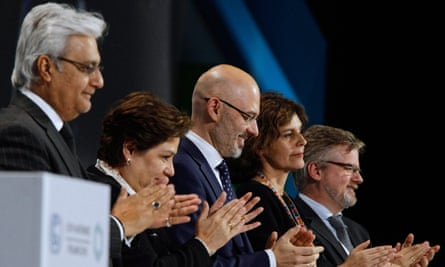 COP24 delegates applaud the agreement reached in Katowice