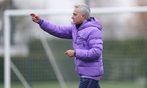 Jose Mourinho gives instructions at training.
