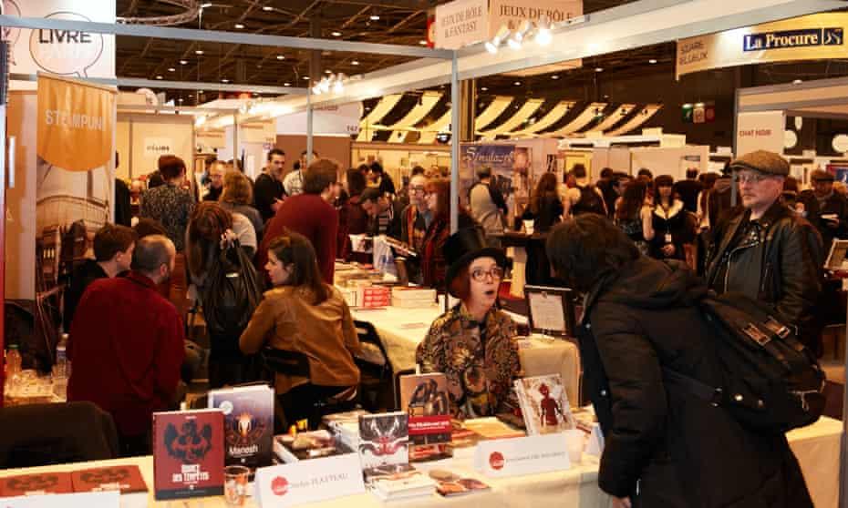Visitors to the 2016 Salon du Livre.