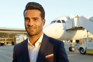 Masoud Shojaei of the Iranian national team arrives in Moscow