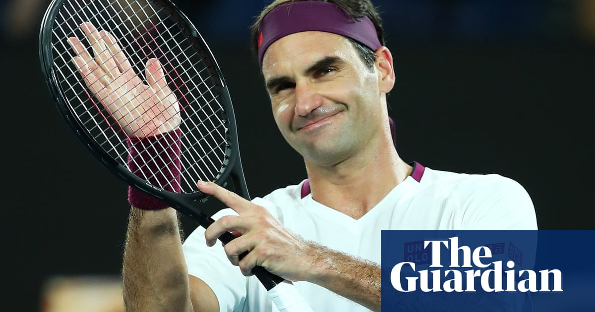 Roger Federer survives scare to set up Australian Open meeting with Sandgren